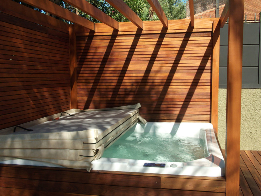 Spa huahine buck y buck argentina for Se vende jacuzzi exterior